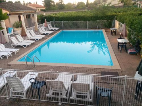 Hotel Pictures: Hôtel Restaurant Douce France, Saint Alban Auriolles