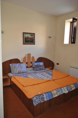 Hotellikuvia: Hotel Maxim, Teteven