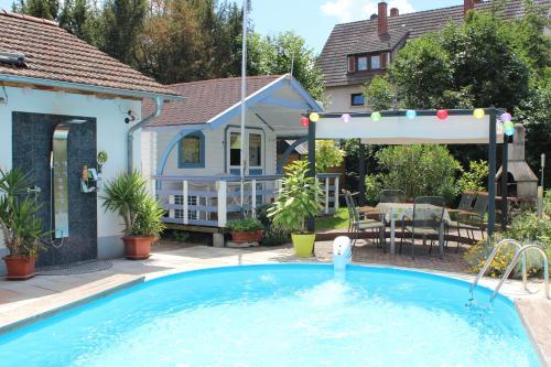 Hotel Pictures: Ferienwohnung Markgräflerland, Buggingen