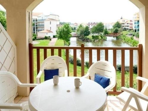 Hotel Pictures: Rental Apartment Vendée 1, Talmont