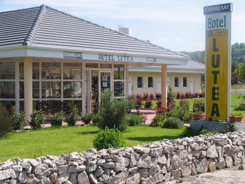 Hotel Pictures: , Riom-ès-Montagnes