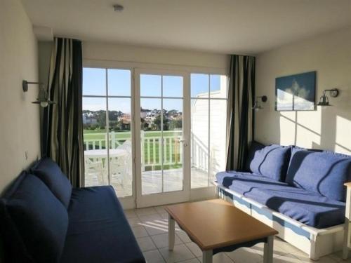 Hotel Pictures: Rental Apartment Vendée 5, Saint-Jean-d'Orbetiers
