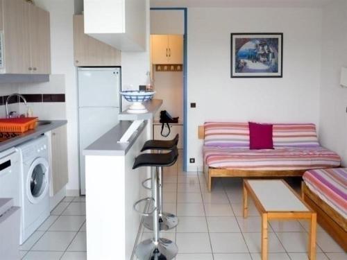 Hotel Pictures: Rental Apartment Vendée 2, Saint-Jean-d'Orbetiers