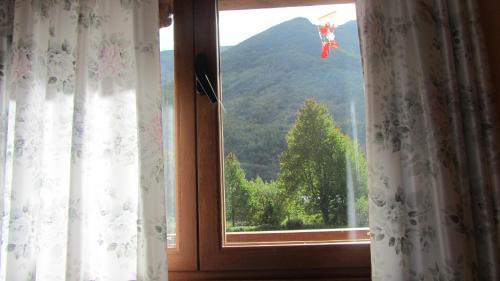 Hotel Pictures: , Tejedo de Ancares