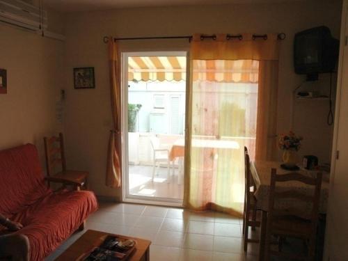 Hotel Pictures: Rental Apartment Lola, Calafat