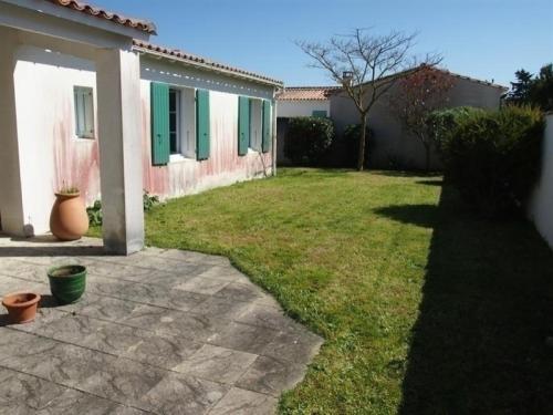 Hotel Pictures: Rental Villa La Couarde Sur Mer - 8 Pers, 108 M2, 6/4 - La Couarde-Sur-Mer, La Couarde-sur-Mer