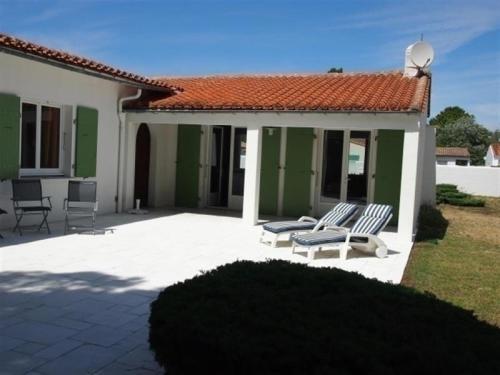 Hotel Pictures: Rental Villa Ile De Re Grand Jardin Clos, La Couarde-sur-Mer
