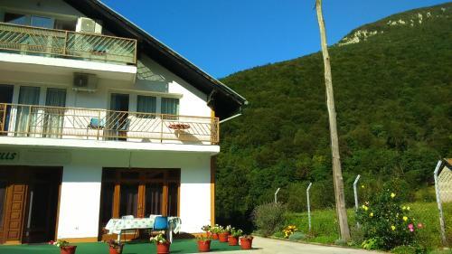 ホテル写真: Apartments Hills, Ćukovi