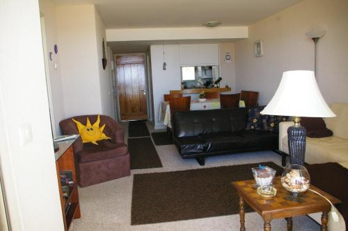 Hotel Pictures: Departamento San Alfonso del Mar 111, Algarrobo