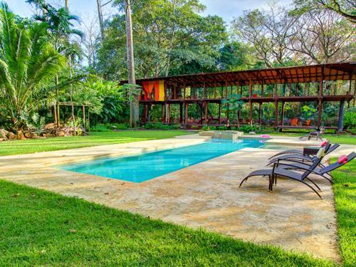Hotel Pictures: Iguana Lodge Beach Resort and Spa, Puerto Jiménez