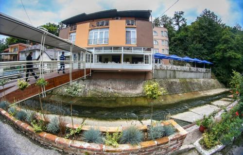 Hotellikuvia: Hotel Fontana, Zenica