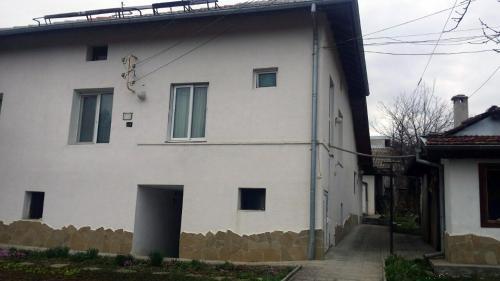 ホテル写真: Nenkovi Guest house, Tryavna