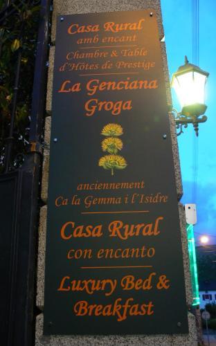 Hotel Pictures: Ca La Gemma i L'Isidre, Angoustrine