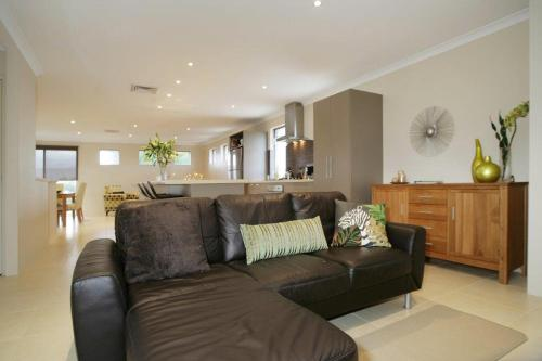 Fotos de l'hotel: Seal 4 Bedroom House by Shoalwater Executive Homes, Rockingham