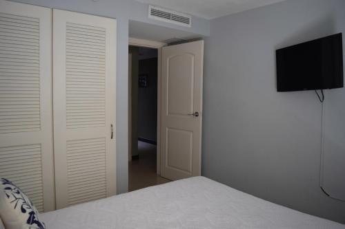 Fotos do Hotel: Aqua Vista Three-Bedroom condo - P211, Palm-Eagle Beach