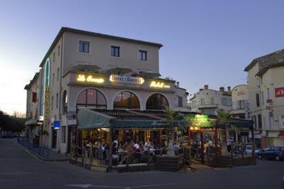 Hotel Pictures: , Pont-Saint-Esprit