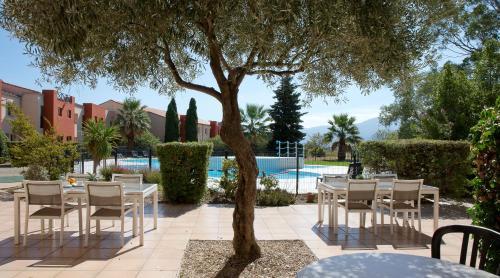 Hotel Pictures: Hotel Du Village Catalan, Banyuls-dels-Aspres