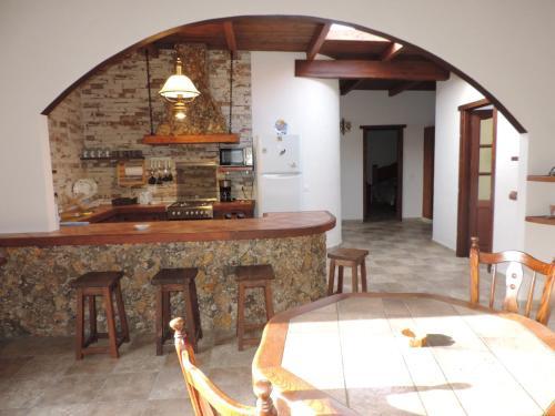 Hotel Pictures: Villa El Refugio, Arrecife