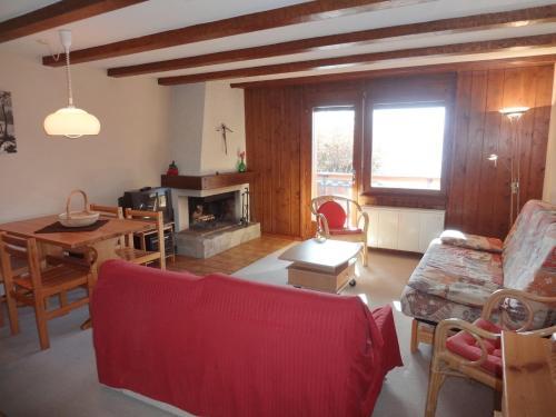 Hotel Pictures: Renoir 113, Bagnes