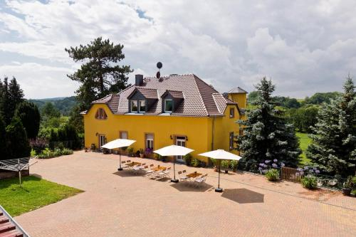 Hotel Pictures: Pension Kroppental, Schönburg