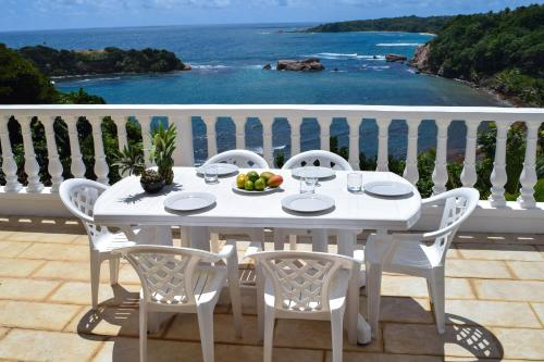Hotel Pictures: What A View Villa, Calibishie