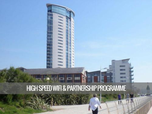 Hotel Pictures: Meridian Tower, Swansea