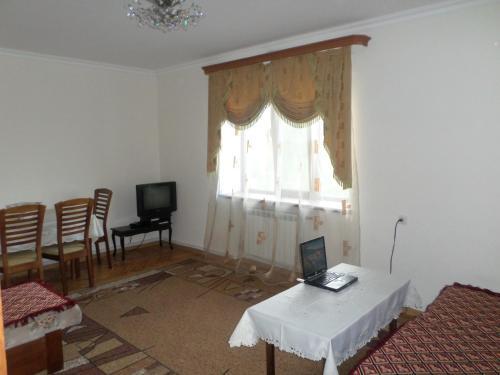 Zdjęcia hotelu: Jermuk Appartment with nice window view, Jermuk