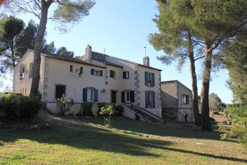 Hotel Pictures: , Saint-Martin-de-Crau