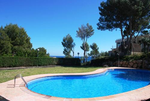 Hotel Pictures: Residencial Cala Llobeta 1º E, Calafat