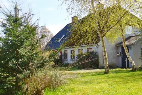 Hotel Pictures: Holiday Home Birketvej, Bandholm
