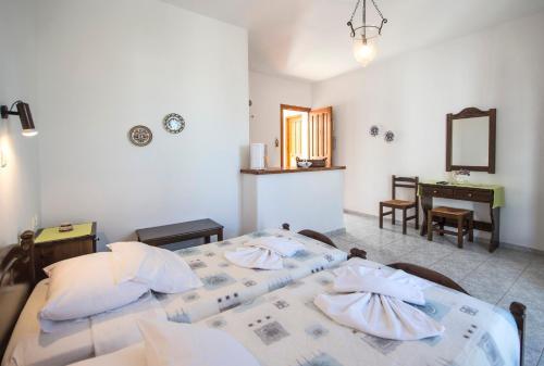 Hotel Pictures: Mitsi Studios, Náousa