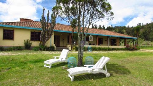 Hotel Pictures: Santa Lucía Hostel, Santa Elena
