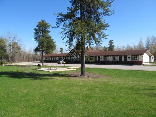 Hotel Pictures: Hide Away Motel, Dryden