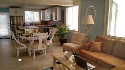 Фотографии отеля: Ocean Acacia Apartment, Saint Philip