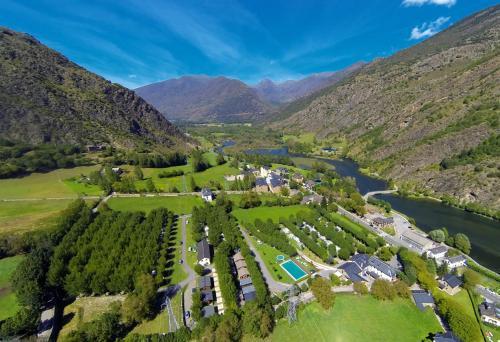 Hotel Pictures: Bungalows Nou Camping, Guingueta