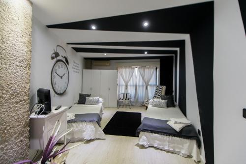 Hotel Pictures: Apartamentos Los Angeles, Alcañiz