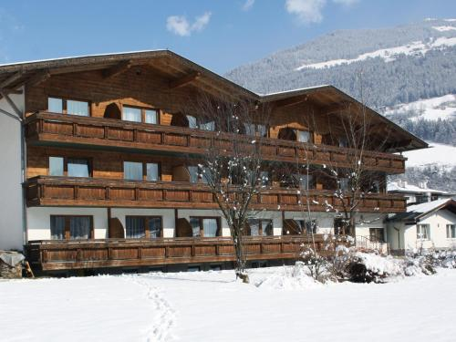 Fotos del hotel: first mountain Hotel Zillertal, Aschau