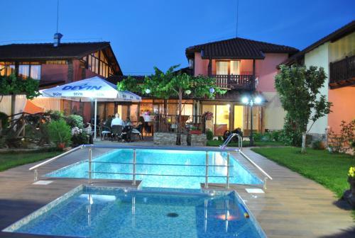 Φωτογραφίες: Family hotel Complex Gradina, Ognyanovo