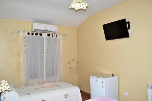 Hotel Pictures: , El Real de la Jara