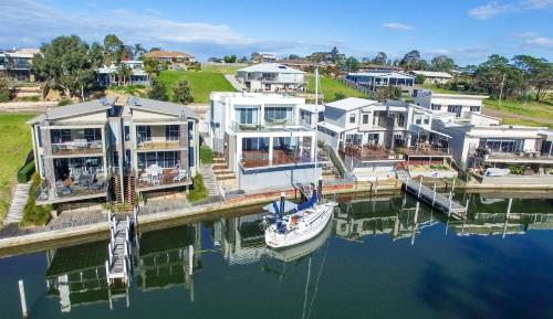 Hotel Pictures: Gippsland Lakehouse, Paynesville