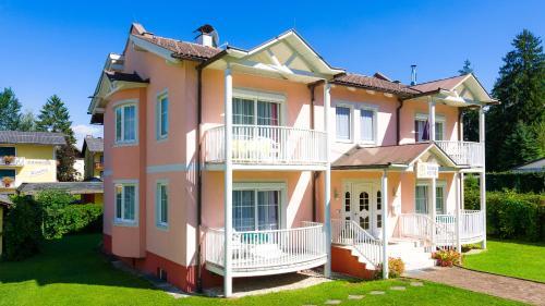 Fotografie hotelů: Ferienhaus Stefanie, Sankt Kanzian