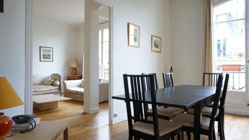 Hotel Pictures: Apartment Rue Berteaux Dumas - NEUILLY 92, Neuilly-sur-Seine