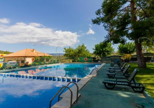 Hotel Pictures: Camping-Bungalows Altomira, Navajas