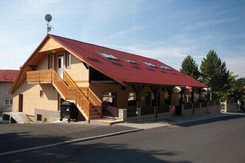 Hotel Pictures: Penzion U Zvonku, Litvínov