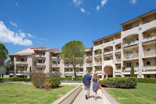 Hotel Pictures: , Gréoux-les-Bains