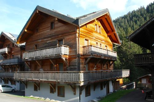 Hotel Pictures: Chesery 8, Morgins
