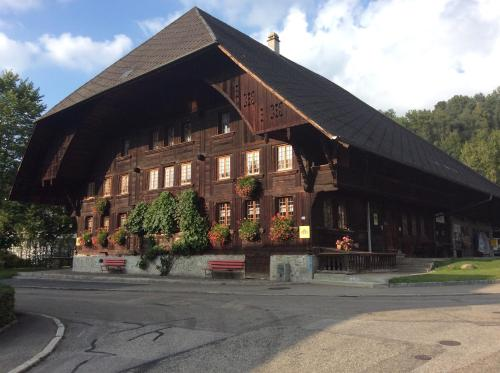 Hotel Pictures: Emme Lodge, Langnau