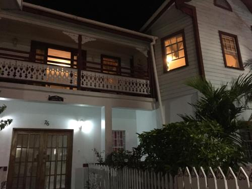 Hotel Pictures: Coningsby Inn, Belize City