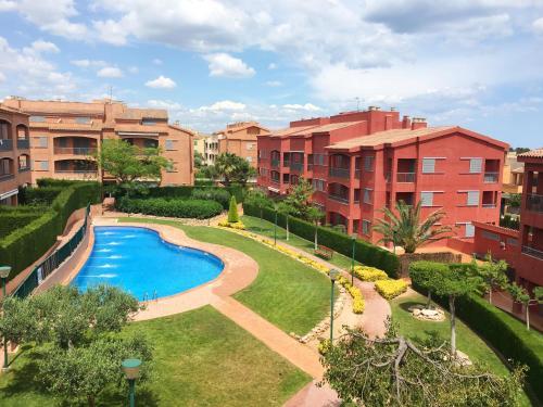 Hotel Pictures: Duplex Marina Sant Jordi Isla 32, Calafat