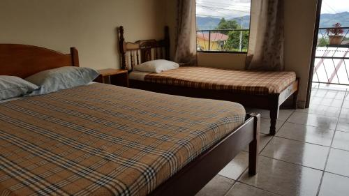 Hotel Pictures: Cabinas Canfinera, Nuevo Arenal